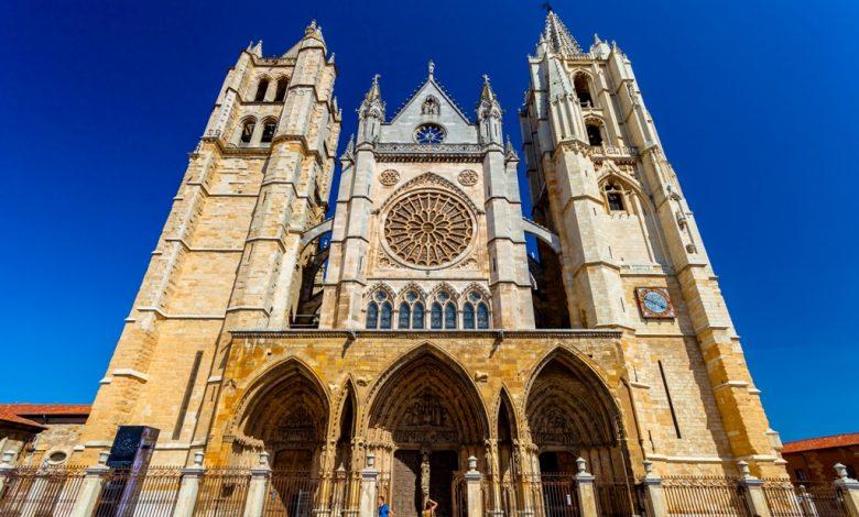 Катедралата в Леон